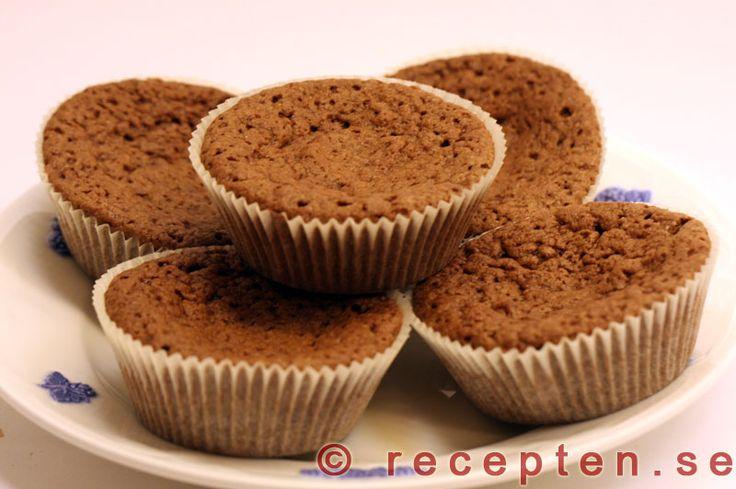 Kladdmuffins - Mycket gott och enkelt recept på kladdmuffins - kladdiga chokladmuffins! Enkelt att göra. Bilder steg för steg.