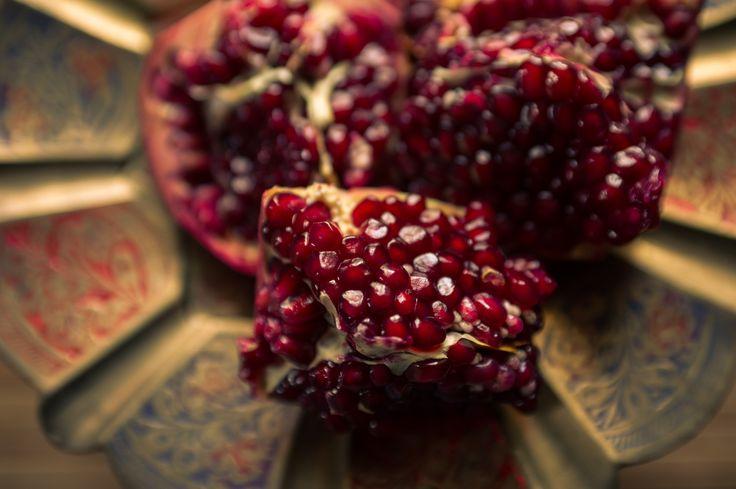 фотограф Марина Негодина, www.negodina.com.ua food photo гранат на блюде