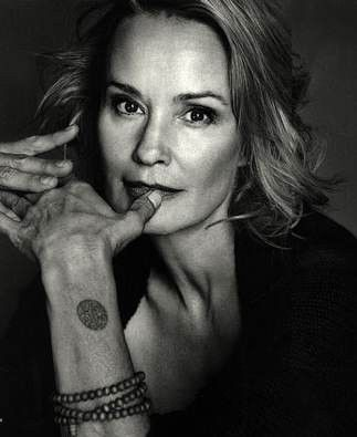 Jessica Lange american horror story.... This woman blows my mind. Phenomenal actress