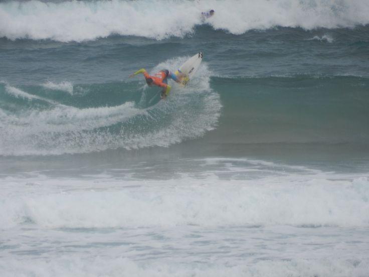 Surfen am Strand in Zarautz