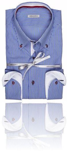 Righe sottili blu e bianche  Seguici su #RedisRappresentanze www.redisrappresentanze.it