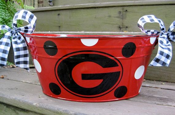 Not a Georgia fan but this would be so cute in a Cardinal design!