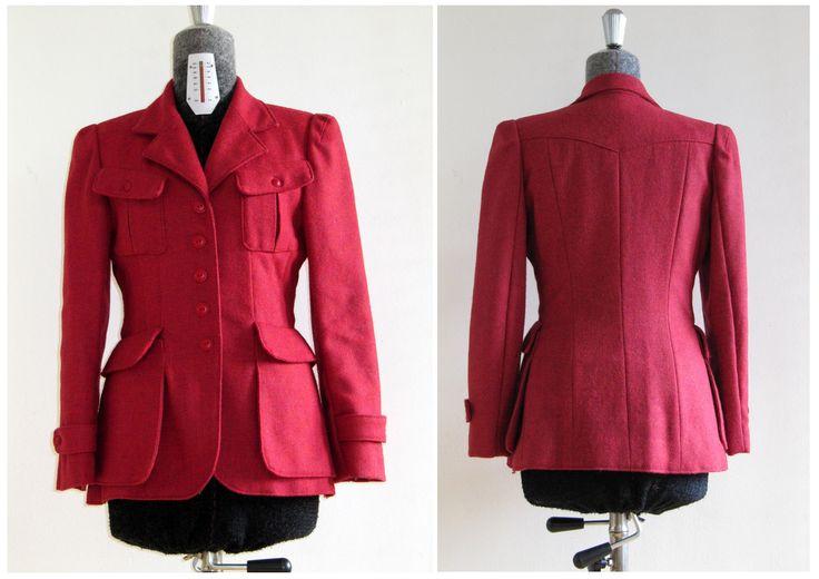 Vogue pattern 1719 bij Karl Lagerfeld, my version in a red woolen fabric