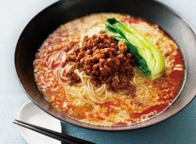 陳 建太郎 さんの中華麺を使った「タンタン麺」。万能肉そぼろのうまみがポイントのタンタン麺です。1杯ずつ丼に調味料を入れてつくるのがポイントです。 NHK「きょうの料理」で放送された料理レシピや献立が満載。