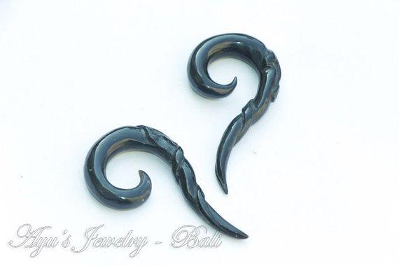 2ga Black Long Tribal Tail Spiral Horn Ear Extender by ayujewelry, $19.50 #Etsy #Spiral #Tribal #Horn #Earextender #EarGauge #TribalGauge #HornEarrings
