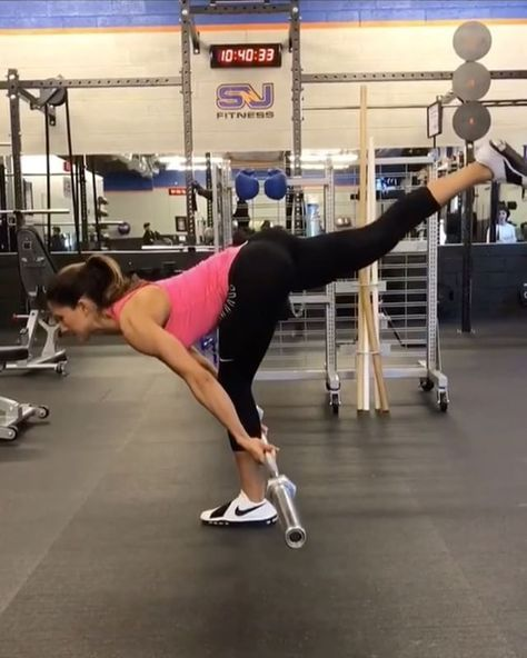 """Vid by: @alexia_clark She is a beast wit it! These variations are legit Tag Yo ride or die chick & try something newWorkout below . """"Barbell Crazy 1. 12 reps on each leg (BURNS LIKE CRAZY) 2. 15 reps 3. 15 reps 4. 10 reps each 3-5 rounds"""" . Darci-Two up """"You should see my Friday nights how it goes now, how it goes down"""""""