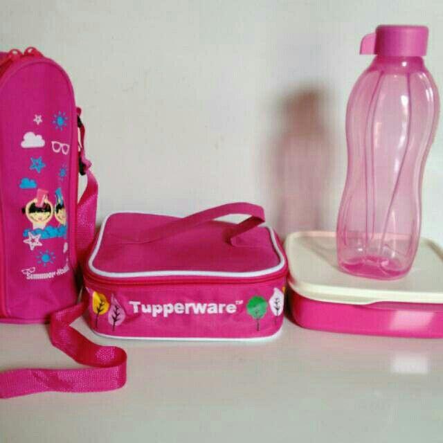 Saya menjual Free Ongkir Jabodetabek Tupperware Paket Lengkap - Wadah Bekal Anak Pink seharga Rp140.000. Dapatkan produk ini hanya di Shopee! http://shopee.co.id/tuppylovers/2704138 #ShopeeID