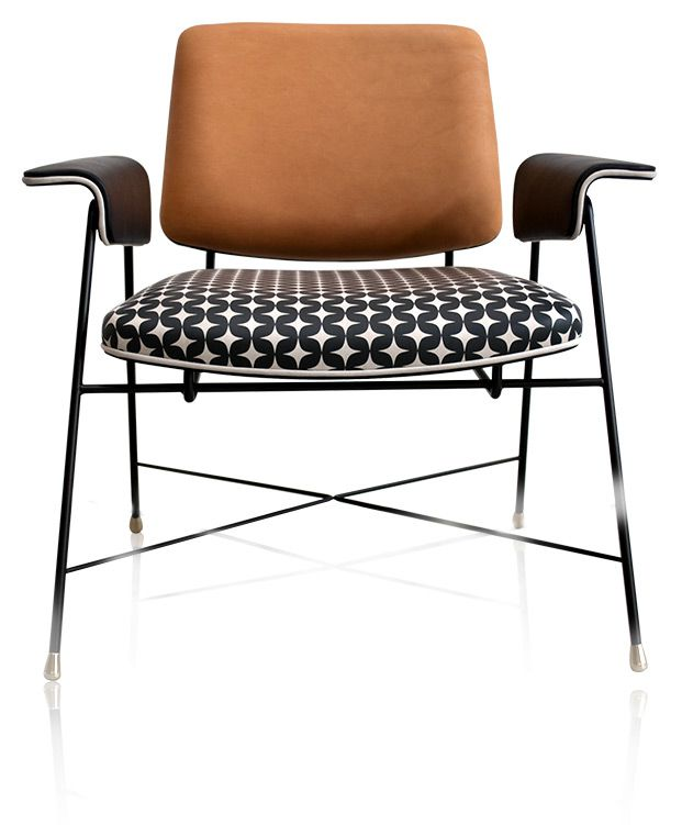 Order online: distinctive small armchair with tubular steel frame, upholstered seat, back and armrest pads. Leather upholstery, seat with print texture.