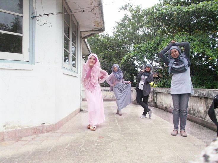 at Wisma Tumapel, Malang, East Java, Indonesia. With Amalia, Aysyah and Toyibatus :* #Hijab #Friendship #Friend