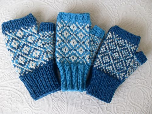 25 best Newfoundland Mittens images on Pinterest | Knitting, Fiber ...