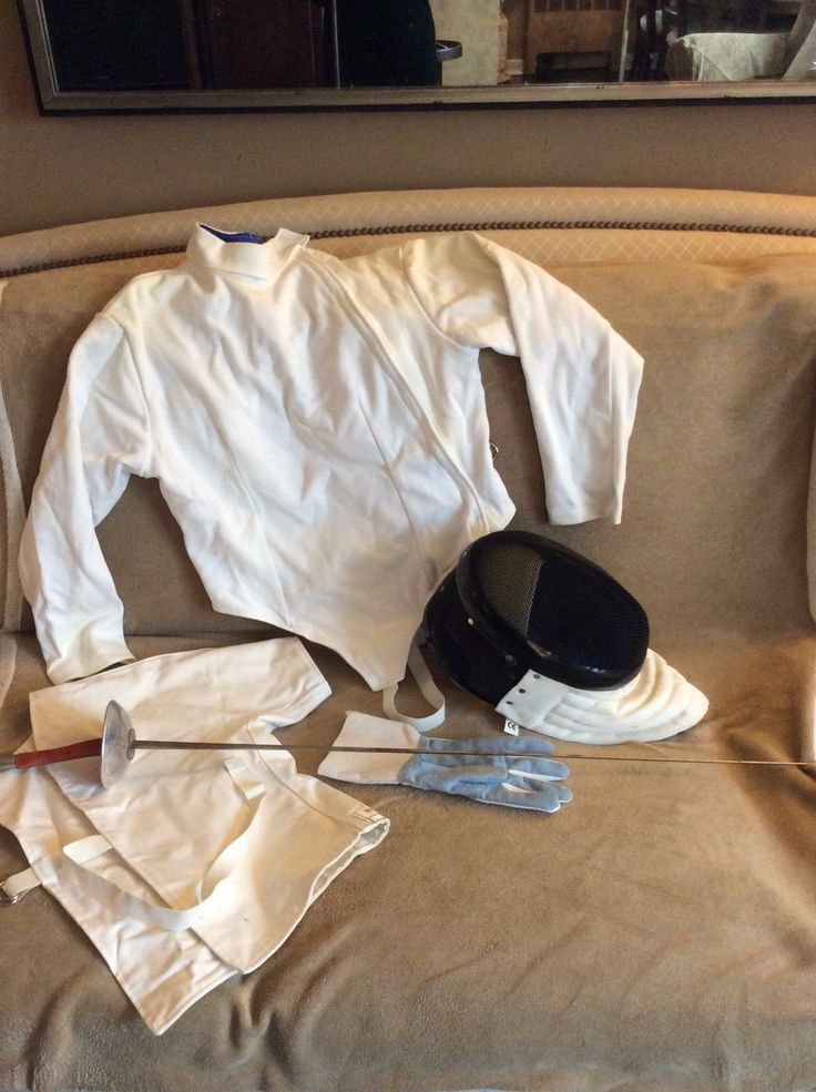 Fencing gear - women's size medium – full beginner ensemble fencing gear