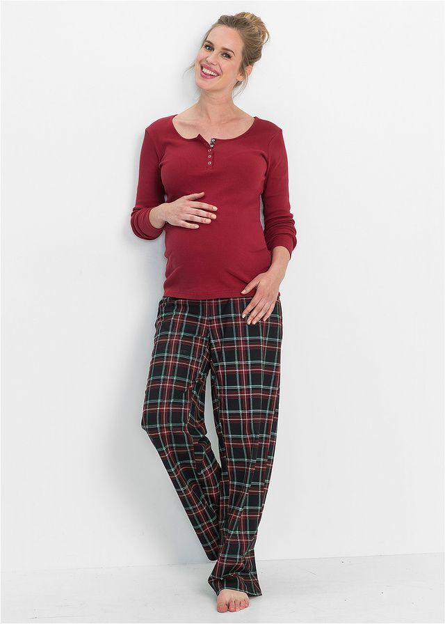 Atrakcyjna piżama dwuczęściowa z kolekcji bpc, świetna dla ciężarnych i mam karmiących piersią. Koszulka z okrągłym dekoltem z plisą guzikową ułatwiającą karmienie. Marszczenia po bokach zapewniają świetny wygląd i wystarczająco dużo miejsca na rosnący brzuch ciążowy. Długie spodnie z talią pod brzuchem, wygodne zarówno w czasie ciąży, jak i po porodzie.