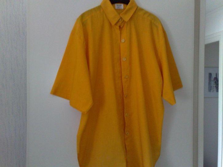 Gele blouse / tuniek met korte mouwen Maat 38 Prijs: € 5,00