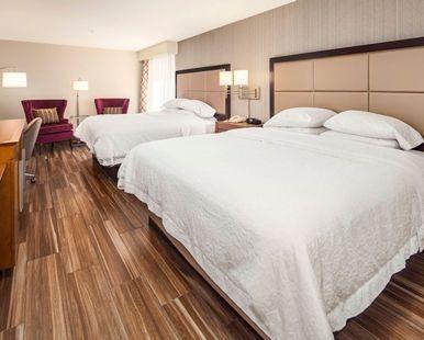Hampton Inn & Suites Seattle-North/Lynnwood Hotel, WA - Double Queen Room