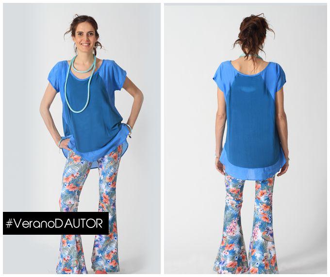 Camiseta Consuelo La Joya Design, azul francia. Composición: Manga raglan con voile en la manga y en la parte inferior. Composición: viscosa y voile de seda 100%. $29.000 Pantalón pata de elefante texturada. Composición: gamuza elasticada. $28.990