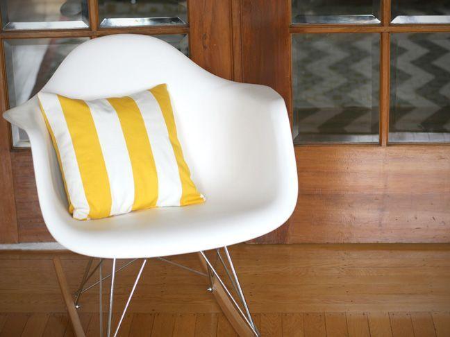 DIY: Simple Envelope Pillow Tutorial