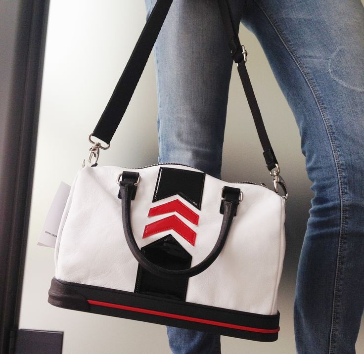 White, black and red calf leather arrow detail bowling #bag - The #Sneakebag - #borsa #bauletto con fondo in gomma stile #sneakers