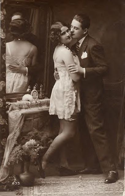 lovers 1920 vintage postcard