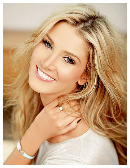 Delta Goodrem. She is so pretty #Australia #celebrities #DeltaGoodrem Australian celebrity Delta Goodrem loves http://www.kangafashion.com
