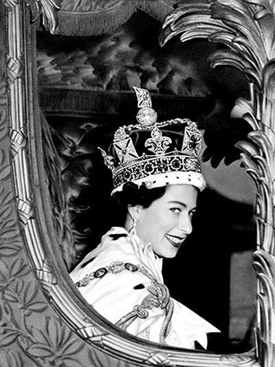 Diamond jubilee: a pictorial timeline of Elizabeth II's reign.  2 June 1953: Queen Elizabeth II following her coronation. The date of the Queen's coronation was chosen so as not to clash with the Derby or fall on an unlucky day. The crowning of the monarch proved to be a milestone in modern British history and with an estimated TV viewing audience of 20 million, it ushered in the age of the major televised event.