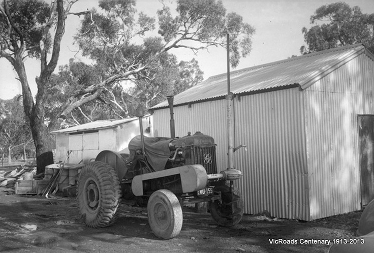 Post hole digger, Pakenham 1952. VicRoads Centenary 1913-2013.