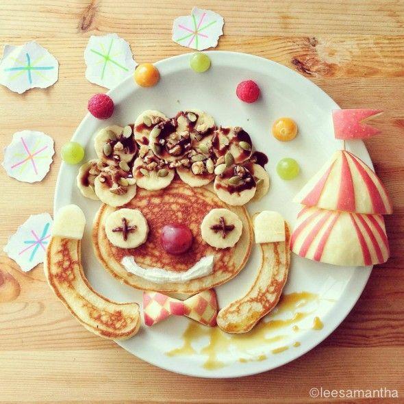 Eatzy Bitzy, Facebook-blog da Samantha Lee-Clown Show