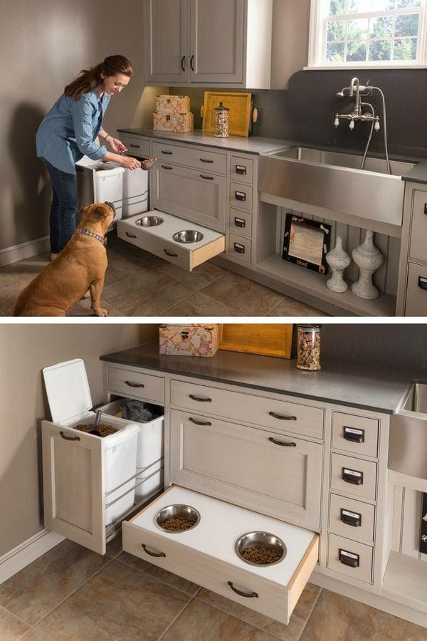 Gamelle pour chien ou chat dissimulée dans le tiroir de la cuisine - excellente idée ! http://www.homelisty.com/organisation-rangement-tiroirs/