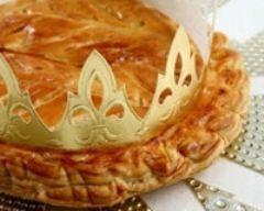 Galette des rois aux pommes et caramel au beurre salé (facile, rapide) - Une recette CuisineAZ