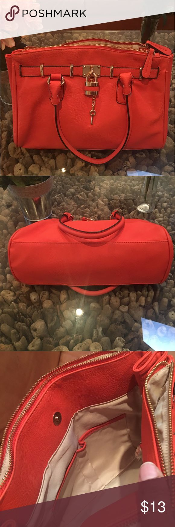 ALDO - Medium sized bag Re-Posh. This is a beautiful bag and in great condition, just not large enough for me.   12in x 9in (medium sized) Bags Satchels