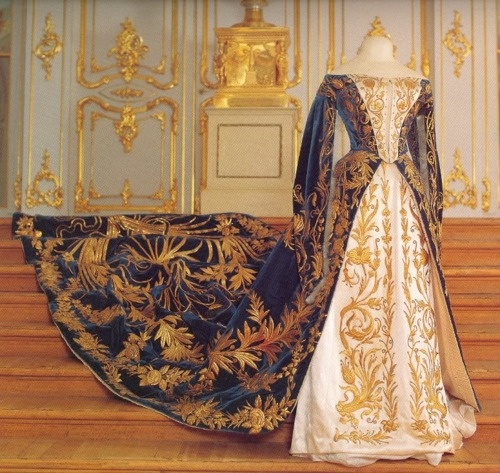 Court dress, Russia