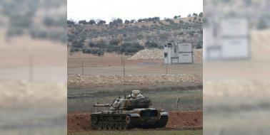 Türkiye PYD ve DAEŞ'i vurdu: Türk Silahlı Kuvvetleri Suriye'nin kuzeyindeki terör örgütü DAEŞ ve PYD'ye ait hedefleri obüslerle vurdu
