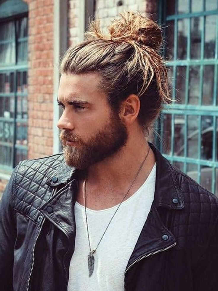 David beckham is one of the most notable celebrities with this hairstyle; Pin by frisuren mit pony on frisuren 2020 | Man bun