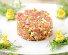 Tartare de saumon frais (facile, rapide) - Une recette CuisineAZ