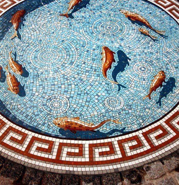 Мозаика в виде пруда с рыбками / Удивительная еда!