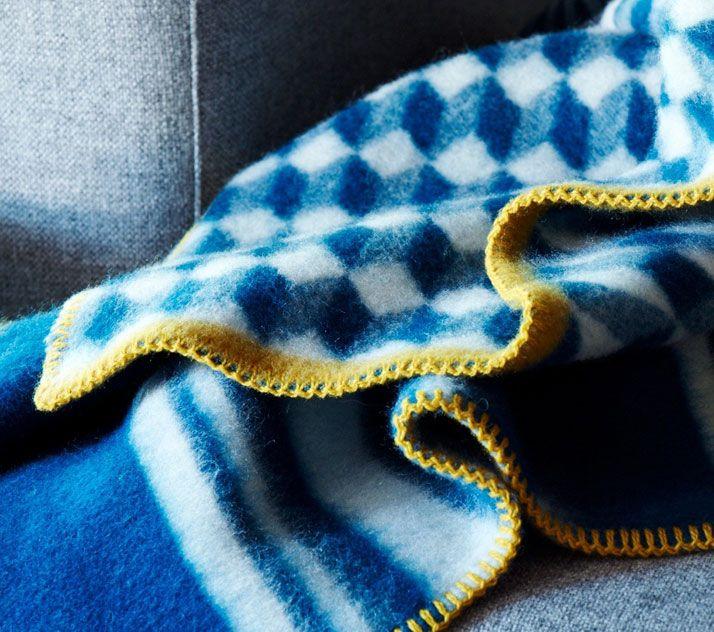 The Dreamy Norwegian Blankets Of Røros Tweed | Yatzer