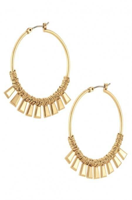 The Bungalow Hoop Earrings are the perfect size with vintage gold plating and work well with any outfit. Shop hoop earrings at Stella & Dot today.