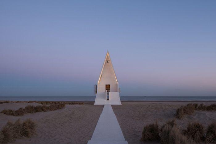 """""""Seashore Chapel"""", Vector Architects"""