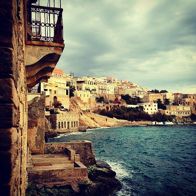 Συρος... Μια μέρα με χειμωνιάτικα χρώματα και ήχους... Ermoupoli, Syros, Greece