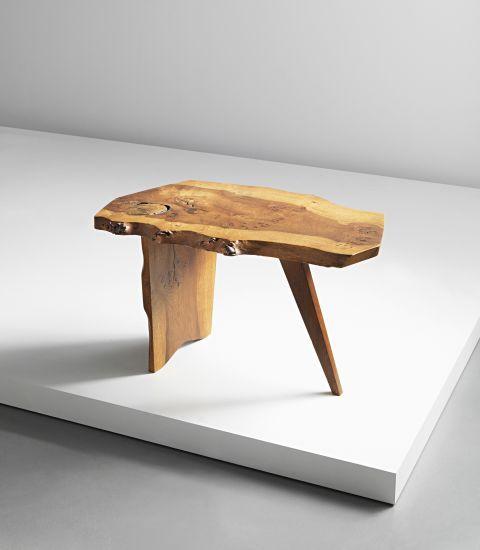 banco de madeira de reuso