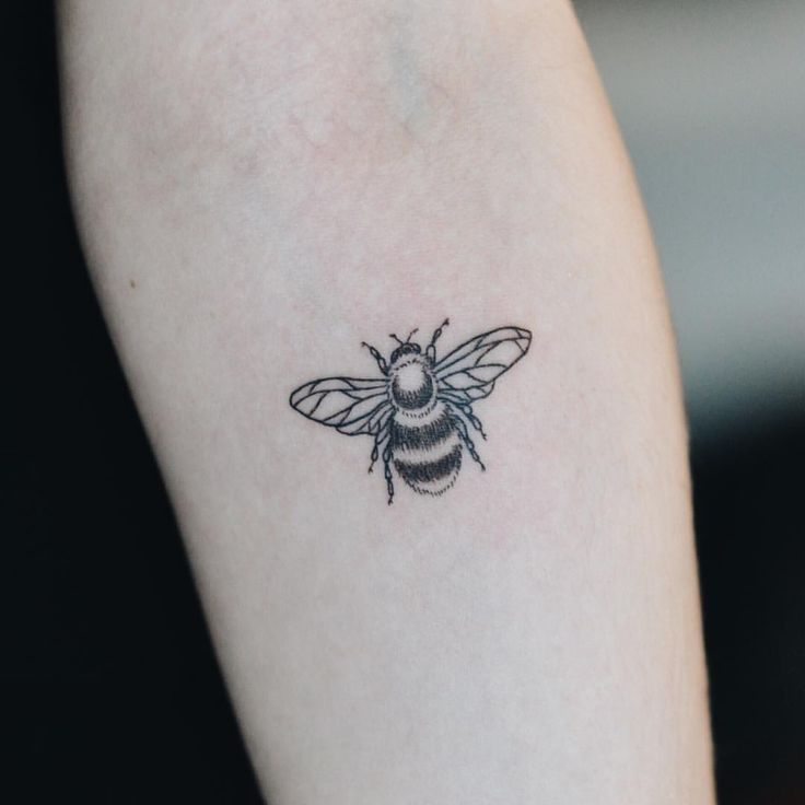 Tattoos by Olivia Harrison - bumblebee for katarina  march 4 / 2016
