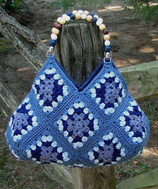crochet bag - this is such a cute bag