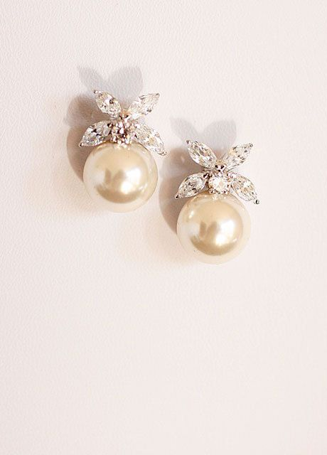 pretty pearl drop earrings