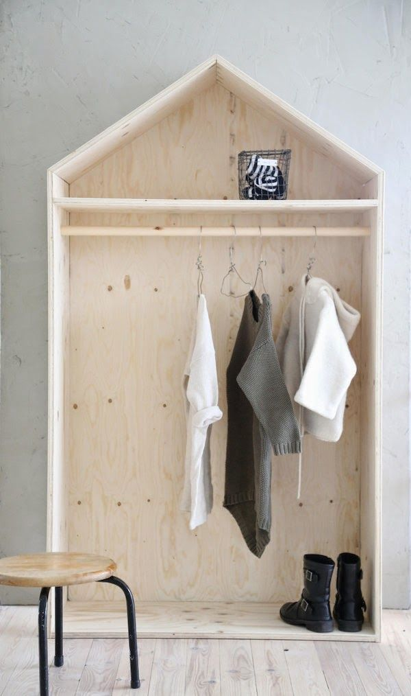 Inspriation for children's rooms | Plywood by luona #plywood #storage #hanger More