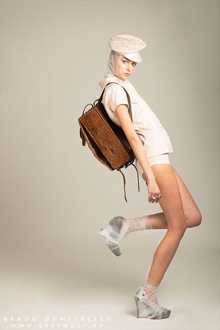 Studio - fotografie fashion - colecție Carmen Emanuela Popa