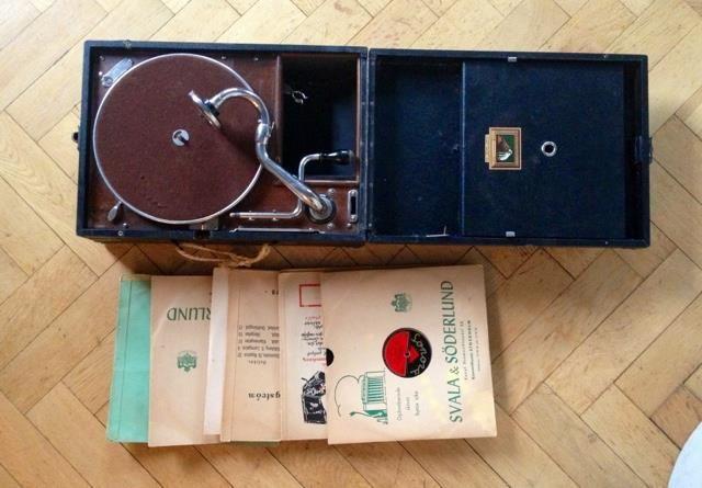 Vinylspelare grammofon med vev.vintage retro 1kr!!! på Tradera.