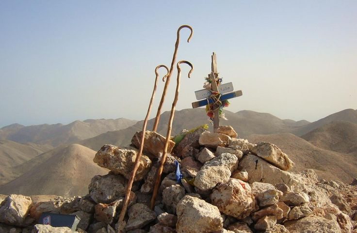 Lefka Ori - White Mountains - Crete - Pachnes Peak with shepherd's stick