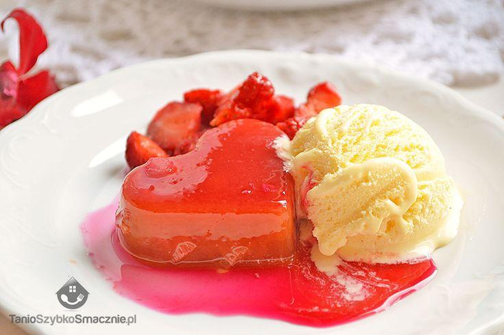 Galaretka rabarbarowo-truskawkowa z lodami waniliowymi
