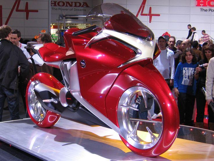Honda_V4_Concept_Model_at_Intermot_2008_right_front.jpg