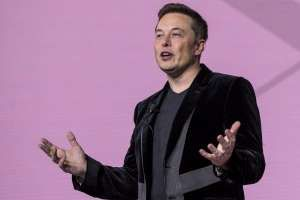 "© Alan Levin Elon Musk Elon Musk tamped down expectations about Space Exploration Technologies Corp.'s new rocket designed to carry private citizens into space, saying whoever chooses to be among the first passengers will need to be ""brave."" The SpaceX Falcon Heavy, a rocket with..."