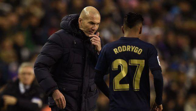 رودريجو يفاجئ زيدان بطلب غير متوقع سبورت 360 توجه رودريجو جويس لاعب ريال مدريد الإسباني بطلب مفاجئ لمدربه الفرنسي Real Madrid Castilla Real Madrid One Team